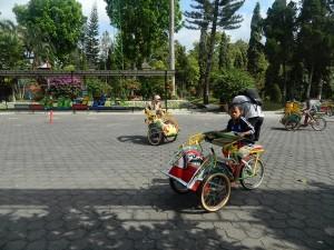 Becak Mini Taman Kyai Langgeng