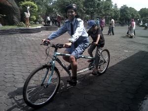 Sepeda Tandem Taman Kyai Langgeng