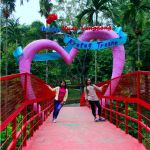 Jembatan Merah Obyek Wisata Taman Kyai Langgeng